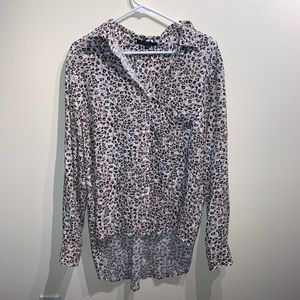 Women's blouse , new without tags. Size large